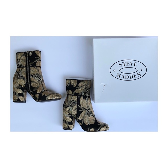Steve Madden Shoes - Steve Madden Goldie Block Booties Heel Size 6.5